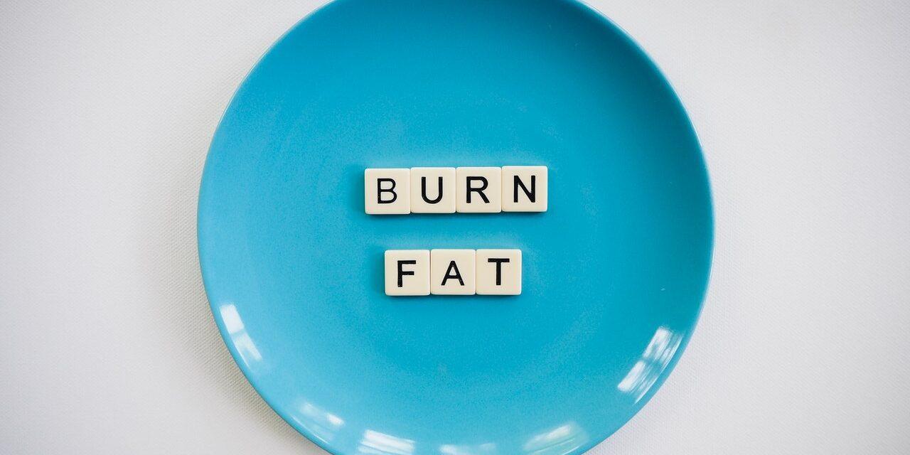 ¿Cómo perder grasa con la dieta cetogénica?
